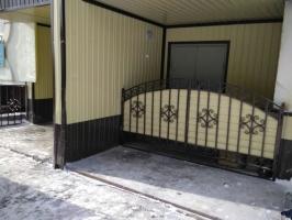 Решетчатые ворота на мусоропровод