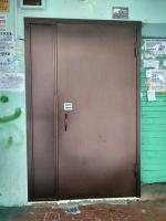 двери металлические одностворчатые «полуторка» вход в подъезд с кодовым замком